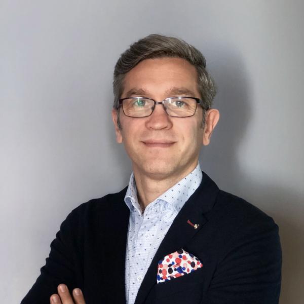 Zdjęcie portretowe: dr Adrian Pyszka