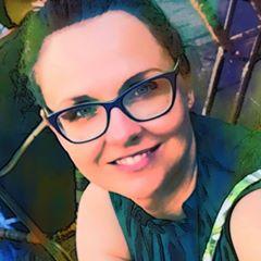 Anna Nowakowska-Głuszak - zdjęcie portretowe
