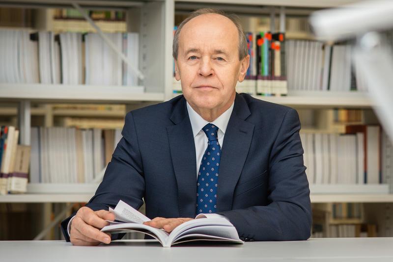 prof. dr hab. Andrzej Kowalczyk