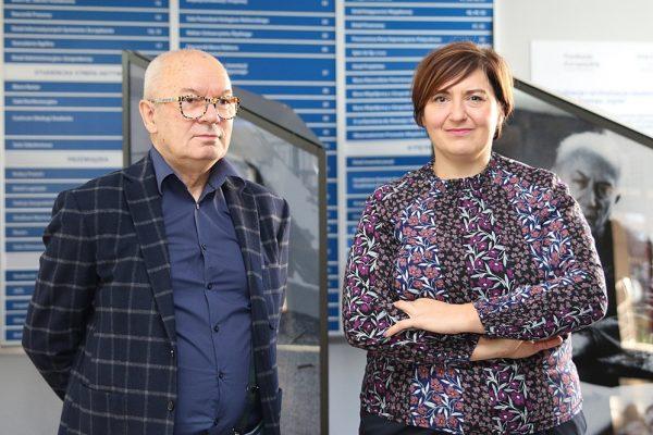 Zdjęcie portretowe prof. Antoniego Kocota oraz dr Katarzyny Merkel