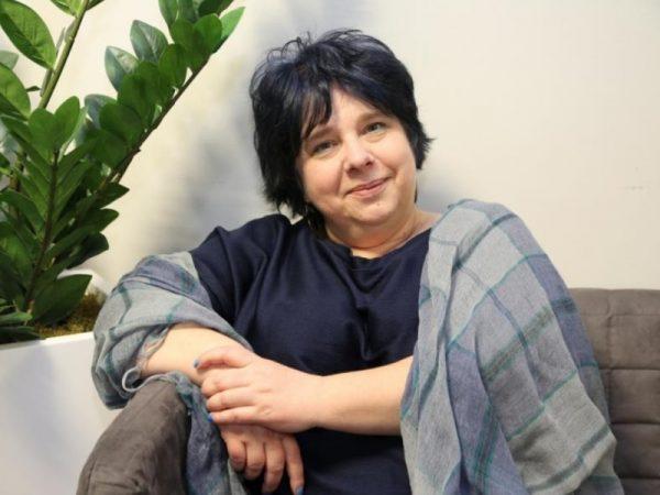 Zdjęcie portretowe prof. MagdalenyPiekary