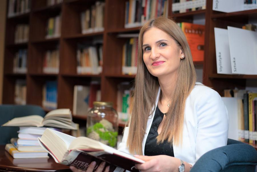 Dr Mariola Paruzel-Czachura