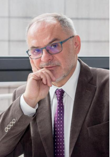 Zdjęcie portretowe prof. Krzysztofa Jarosza