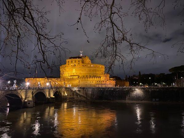 Zdjęcie zamku św. Anioła w Rzymie