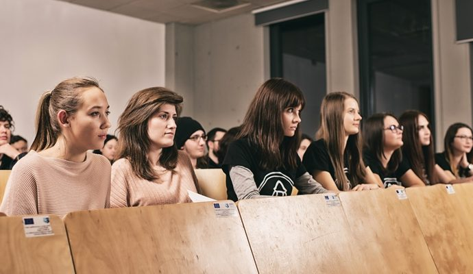 Studentki, fot. mat. Uniwersytetu Śląskiego