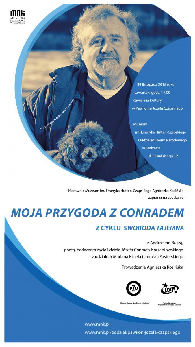 plakat promujący spotkanie z Andrzejem Buszą ze zdjęciem pisarza, tytułem spotkania, miejscem i datą wydarzenia oraz logo organizatorów. Przeważają barwy biała i niebieska. Zdjęcie jest w kolorze sepii
