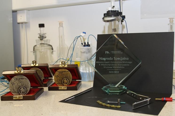Nagrody oraz medale przyznane członkom zespołu patentowego
