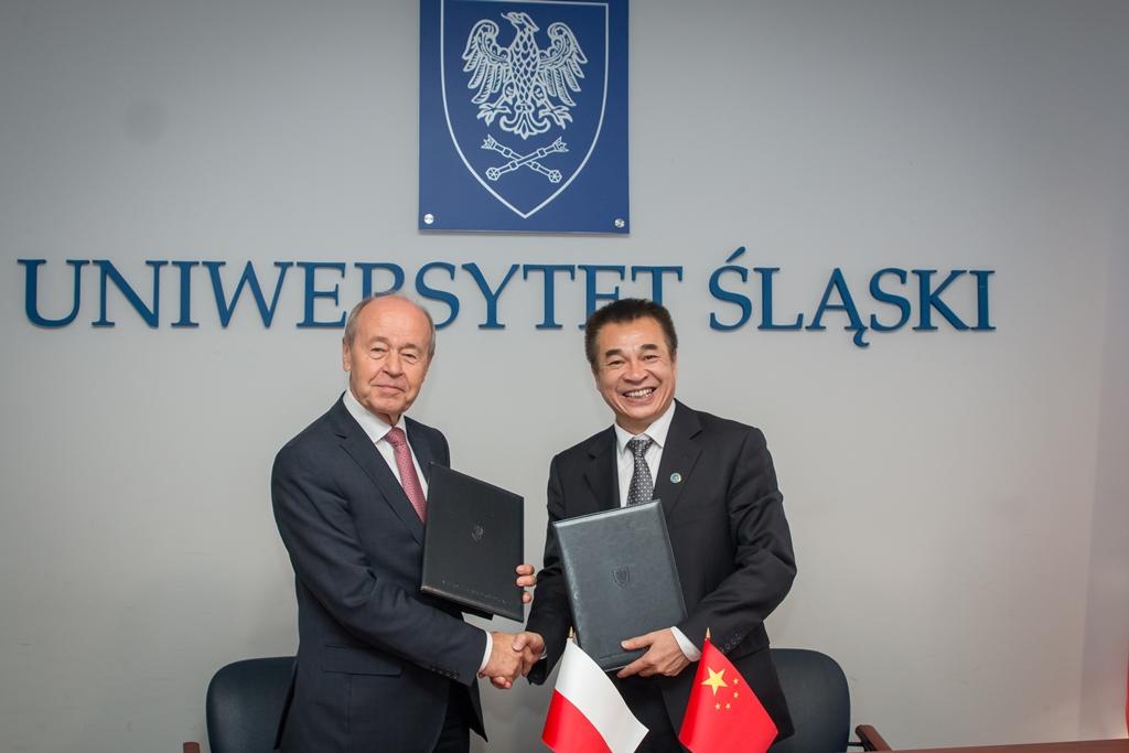 Rektorzy obu uczelni: prof. Andrzej Kowalczyk i prof. Liu Gonghui