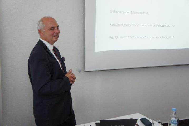 Dr hab. Grzegorz Żmij podczas wystąpienia konferencyjnego