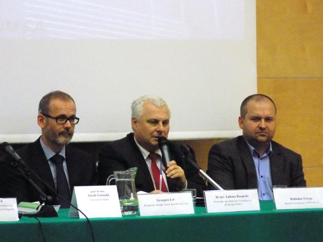 Zdjęcie panelisty podczas wystąpienia