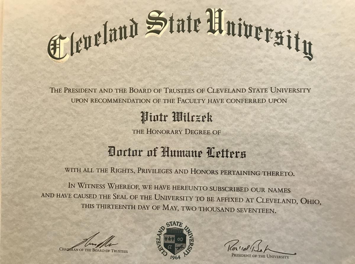 Dyplom doktora honoris causa Uniwersytetu Stanowego w Cleveland prof. Piotra Wilczka