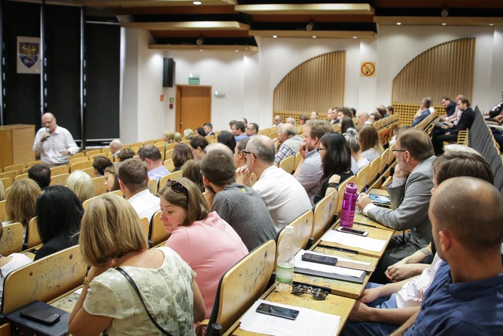 Uczestnicy debaty, która odbyła się na Wydziale Nauk Społecznych
