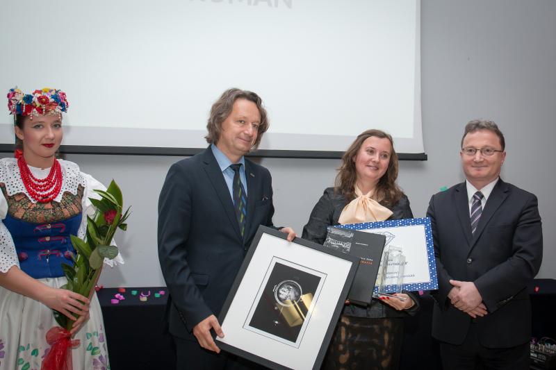 Od lewej :prorektor prof. Ryszard Koziołek, dr Natalia Ruman oraz dr Jacek Siebel