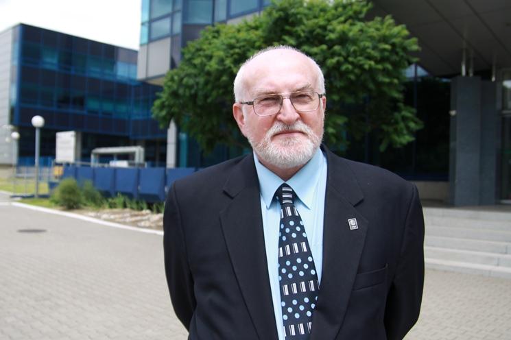 Prof. zw. dr hab. Jacek Jania