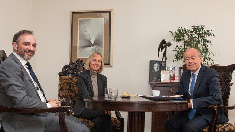 Od lewej: dr hab. prof. UŚ Tomasz Pietrzykowski, Prof. Dr. Claudia Polzin-Haumann oraz prof. dr hab. Andrzej Kowalczyk