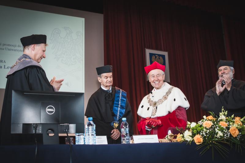Uroczystość nadania tytułu doktora honoris causa prof. Tadeuszowi Lewowickiemu