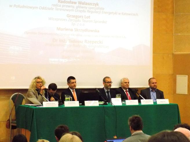 Zdjęcie ogólne uczestników panelu dyskusyjnego