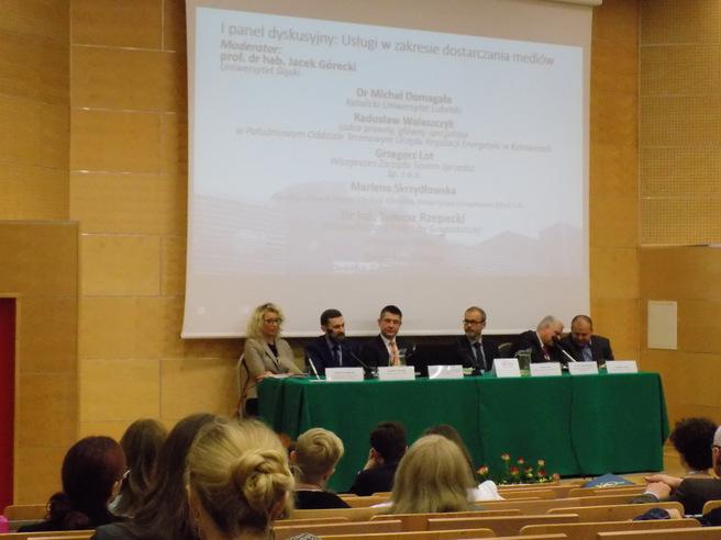 Zdjęcie uczestników I panelu dyskusyjnego