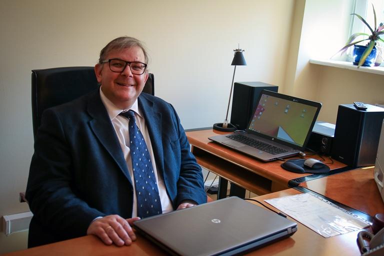 Prof. zw. dr hab. Adam Dziadek