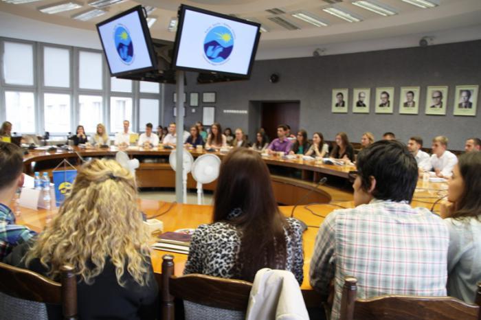 Zdjęcie z ubiegłorocznego kursu językowo-adaptacyjny dla studentów programu im. Stefana Banacha