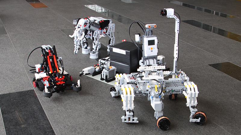 Zdjęcie: roboty z klocków