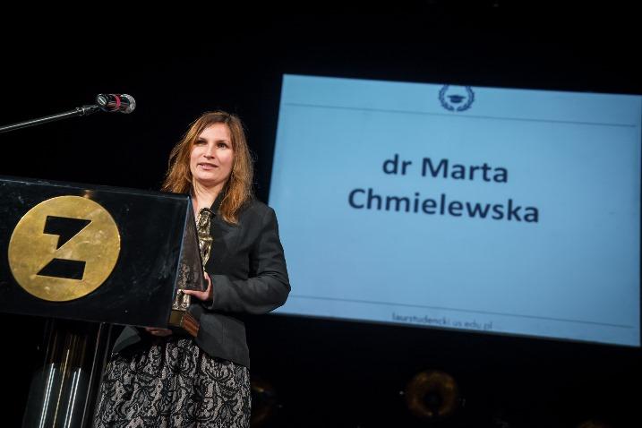 Dr Marta Chmielewska przemawia podczas gali