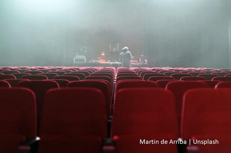 fotele w teatrze / seats in the theatre