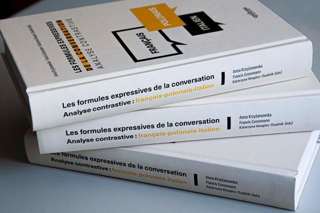 """zdjęcie książki """"Les formules expressives de la conversation. Analyse contrastive : français-polonais-italien"""""""