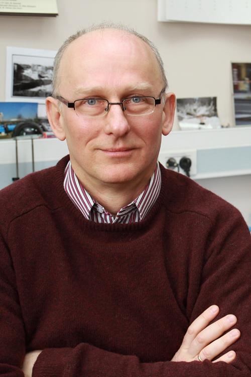 prof. dr hab. Janusz Gluza