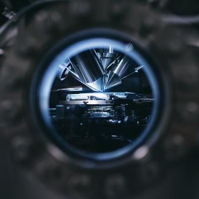 Focusing on laboratory instrument